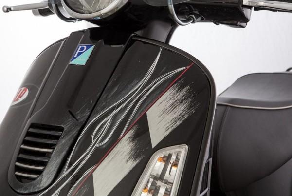 Bordon escudo derecha para Vespa GTS/GTS Super/GTV/GT 60/GT/GT L 125-300ccm, mate negro